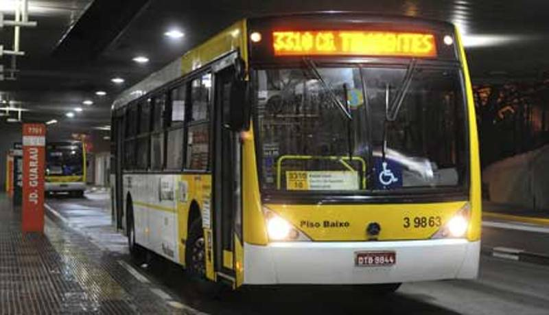 """Prefeitura de SP """"inflaciona"""" preço do diesel para justificar aumento da tarifa de ônibus"""