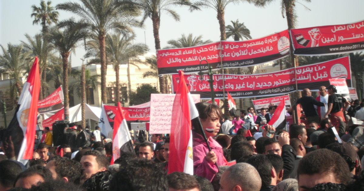 """""""Caminhando sobre as areias das revoluções"""" – um debate sobre o Egito com Fred Henriques"""