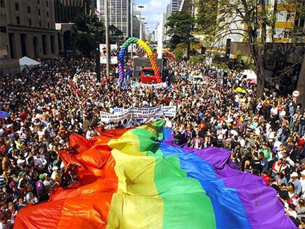 Parada do Orgulho LGBT de SP: um dia para ser colorido!