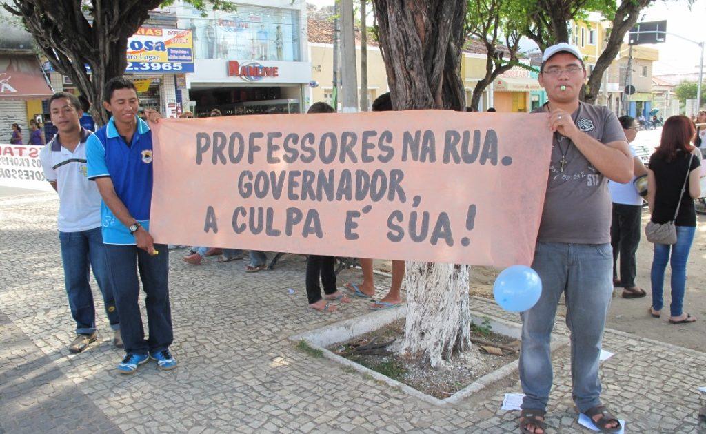 Professores em luta no Ceará!