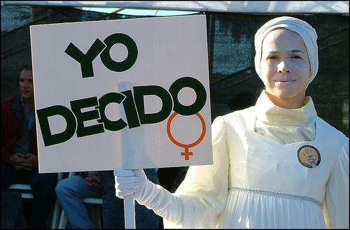 Hoje é dia de lutar pelo direito de decidir!