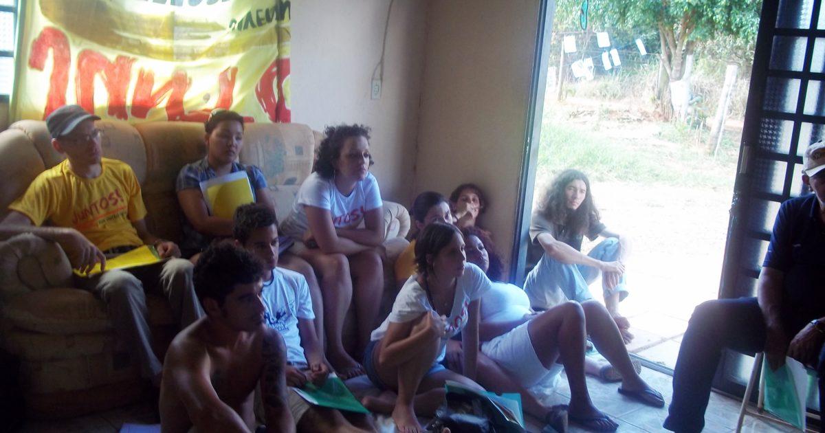 Acampadas Juntos DF: consolidando mais uma frente de jovens indignados na luta por outro futuro!