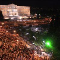 Entre o desastre e o futuro — a luta do povo grego