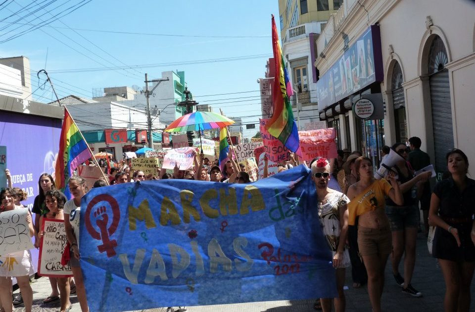 Marcha das Vadias: Nem putas, nem santas. MULHERES!