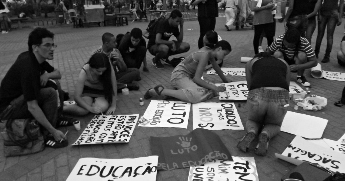 Itapevi parou pra ver: Juntos nas escolas em luto pela educação