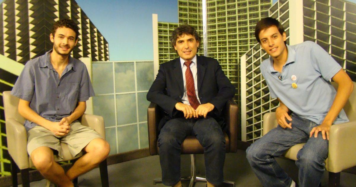 Militantes do Juntos debatem a democratização da USP e os desafios da educação nacional com Giannazi na TV ALESP