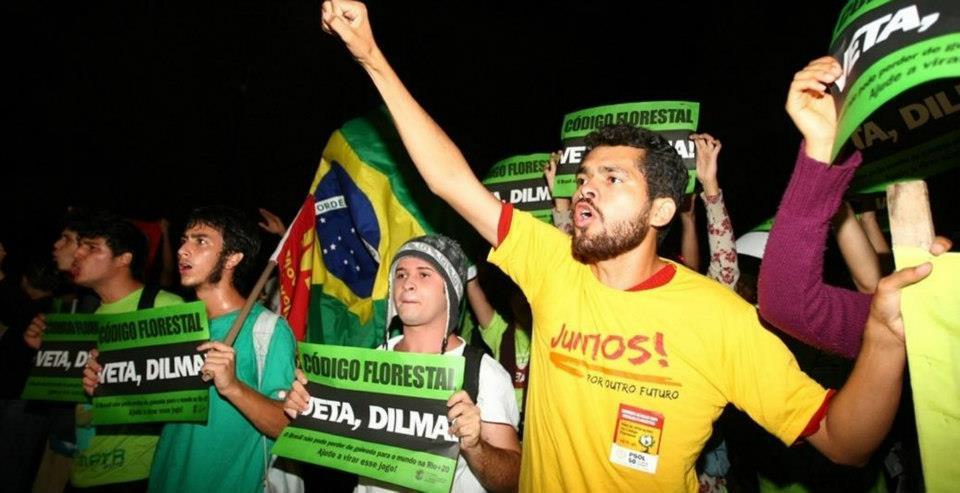 O papel da juventude no Brasil diante da crise no mundo