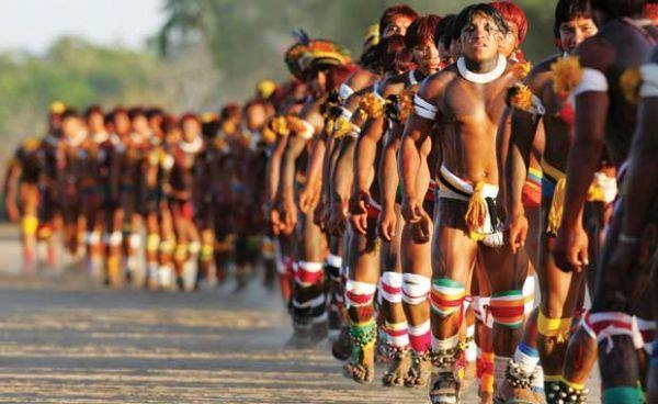 """""""O índio é povo, o povo é índio, o povo e o índio jamais serão vencidos!"""""""