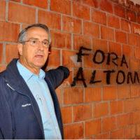 Abuso do poder discricionário em São Carlos.