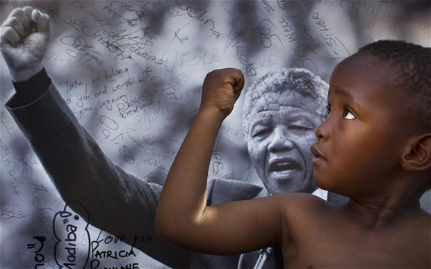 A homenagem é seguir lutando até a vitória.