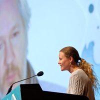 Assange incita hackers a infiltrarem-se em serviços de inteligência