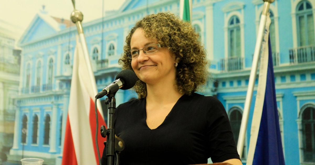 Luciana Genro: PSOL em asilo por Snowden