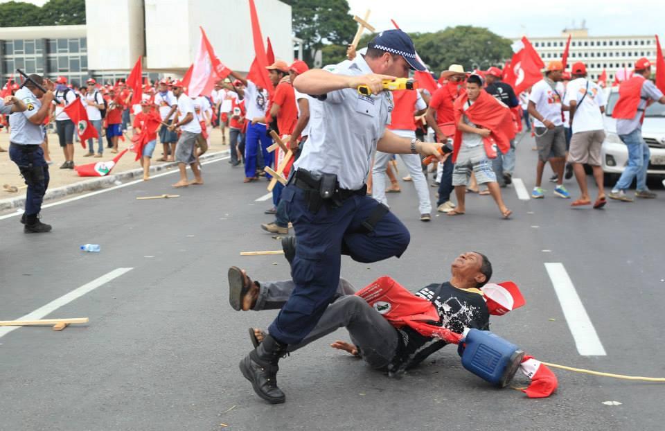 Sem reforma agrária e com polícia