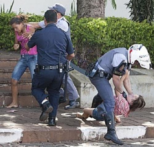 Polícia na escola e a educação que nos violenta