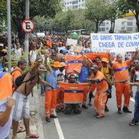 Prefeito Eduardo Paes, eu apoio os garis do Rio: Nenhuma demissão!