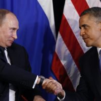 Snowden: Putin deve prestar contas em matéria de espionagem tal como Obama