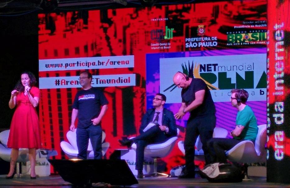 """Natalia Viana: """"Não falar sobre asilo a Snowden é como não ver o elefante branco na sala"""""""