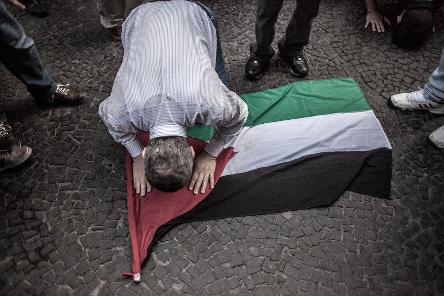 """Eduardo Galeano: """"Já pouca Palestina resta. Pouco a pouco, Israel a está apagando do mapa"""""""