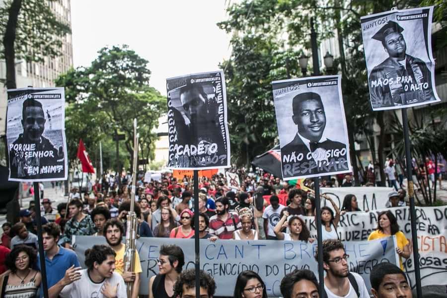 """""""Ferguson é aqui"""": ato contra a violência policial mobiliza a juventude negra em SP"""