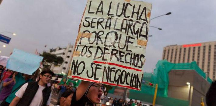 """Peru: NENHUM PASSO ATRÁS! ABAIXO À LEI """"PULPIN""""!"""