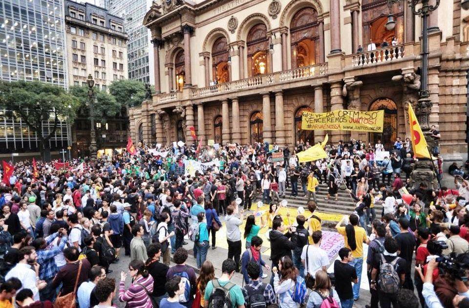 Eu não consigo ir em manifestações – relato de uma militante secundarista