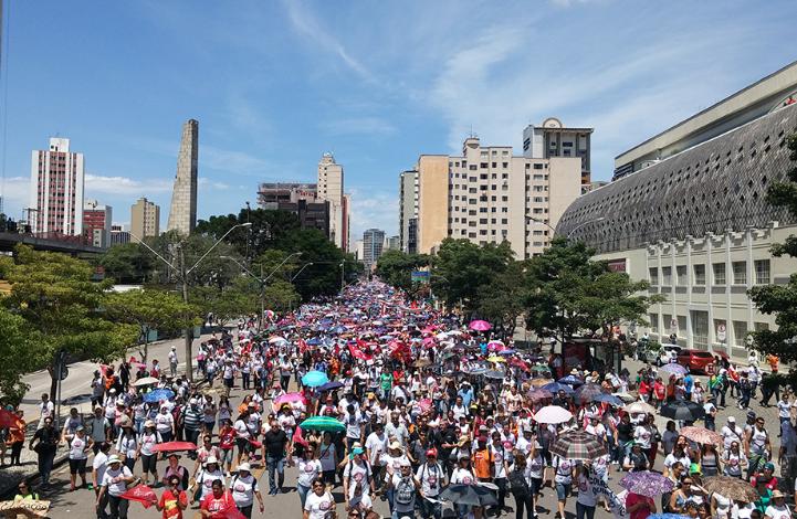 50 mil nas ruas de Curitiba contra a austeridade