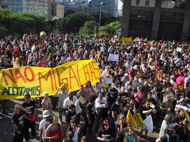 Em São Carlos o dia 26 será dia 25. Estamos todos juntos pela educação!