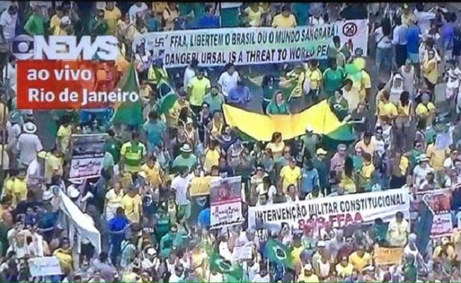 """15 de março: A """"ausência"""" da juventude foi uma marca, a presença da Globo e da PM foi outra"""