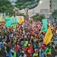 Marcha da Maconha em SP leva 20 mil às ruas pela legalização no Brasil