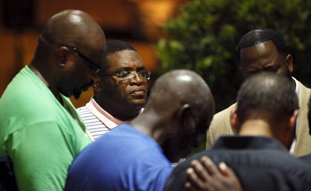 O povo negro entre balas e o ódio