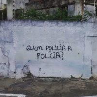 Em cada morro uma história diferente, que a polícia mata gente inocente