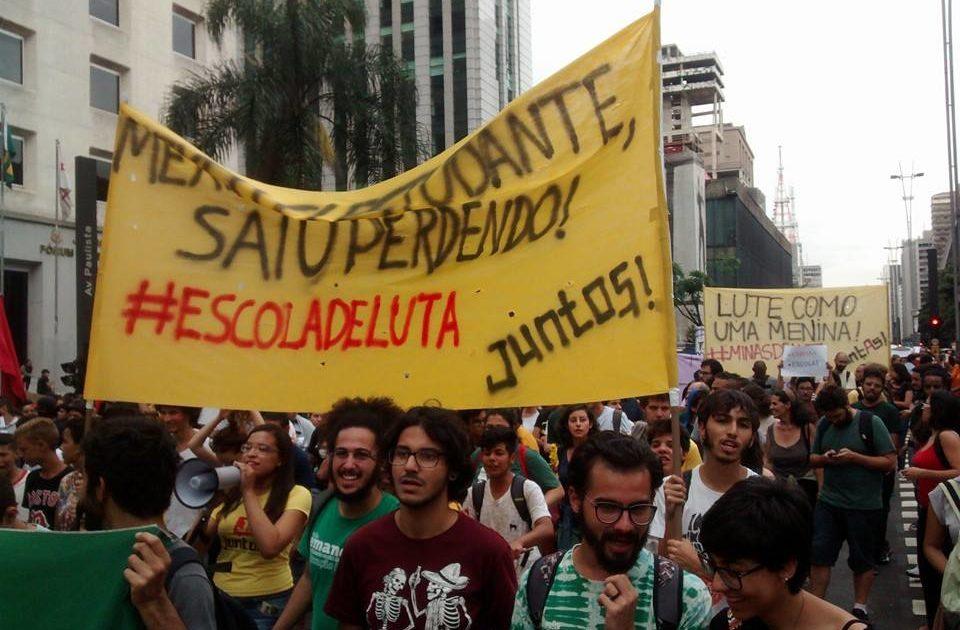 EM SP, MEXEU COM ESTUDANTE, SAIU PERDENDO
