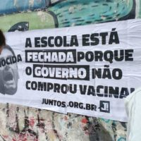28 de abril: no dia da educação, estudantes tomam as ruas pela educação e pela vacina