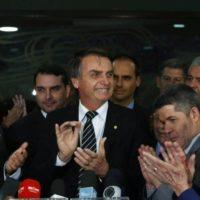 O camarote da vacina  e o Brasil dos ricaços