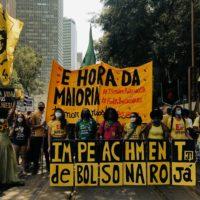 Entrar em movimento para defender a UFF e derrubar Bolsonaro