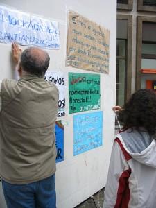 Cartazes no 15.O em São Paulo