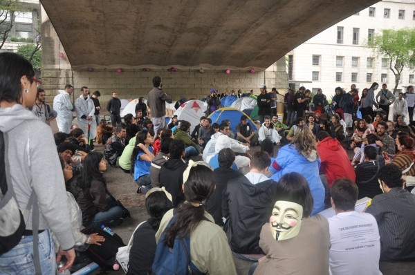Indignados no Vale do Anhangabaú em São Paulo