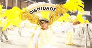9fev2013---desfile-da-escola-nene-de-vila-matilde-no-sambodromo-do-anhembi-em-sao-paulo-1360465876810_956x500
