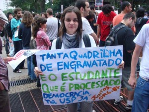 Juntos presente no ato dos estudantes da USP em frente ao Tribunal de Justiça de SP, em 20/03