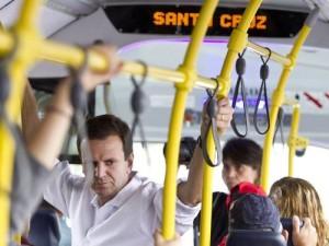 Dudu, que não está acostumado a enfrentar o transporte público no dia-a-dia, vai aumentar a tarifa novamente.