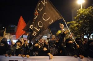 Protesto Rio de Janeiro – Black Bloc (http://noticias.uol.com.br)