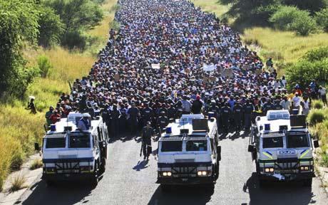 Sul Africanos tomaram as ruas por moradia, uma das pautas.